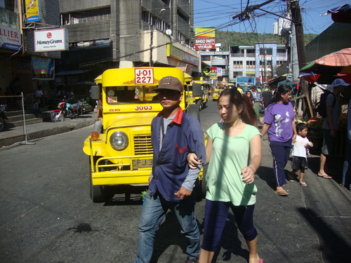 по улиците на Олонгапо