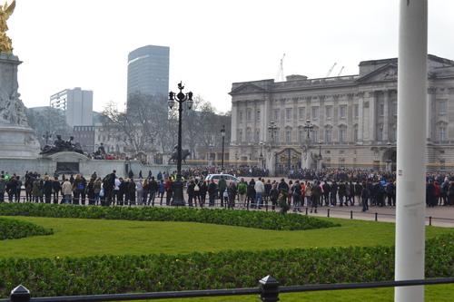 Лондон, Бъкингамският дворец, Смяната на караула.