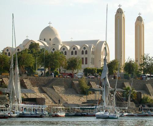 Асуан, коптската православна катедрала Архангел Михаил