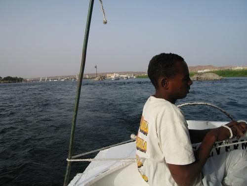 С лодка по Нил