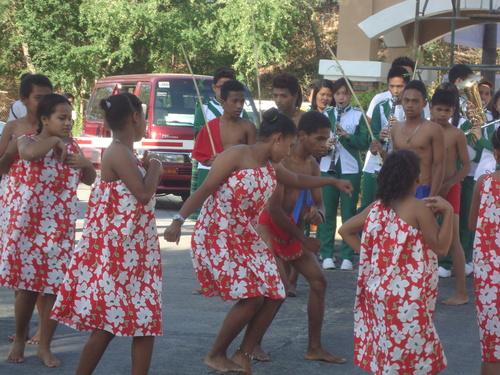 танц на девойките