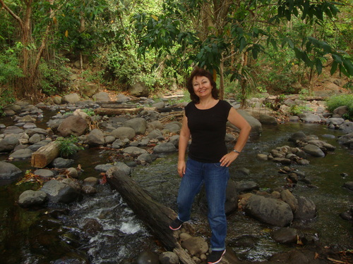 Филипини, по дънера се стига до островчето, където ще готвят