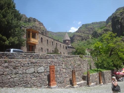 Арменският манастир на копието на съдбата