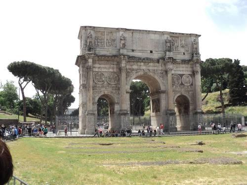 Триумфалната арка на Константин