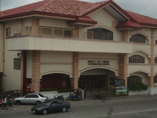 Филипините, Градската библиотека в Ангелес