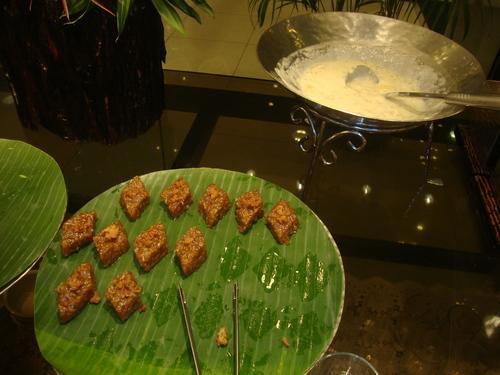 още за хало - хало: оризови сладки, плодове в кокосово мляко