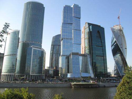 """Новият бизнес комплекс """"Москва-Сити"""", чието строителство продължава"""
