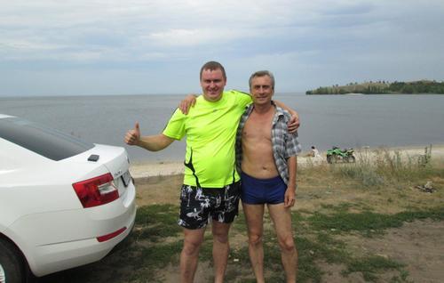 С единия от двамата руснаци, с които се запознах на плажа на река Волга до село Жигули
