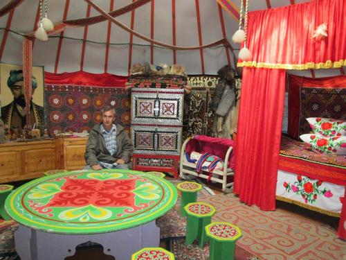 В музея на бита и изкуството на казахите, село Жана Аул