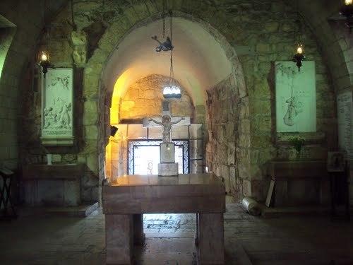 Изходът на портата, която някога е била затворена за да не избяга св. Павел