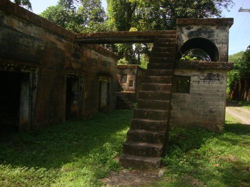 испанска крепост, използвана по-късно и от американците за отбраната на Гранде Айлънд срещу японците