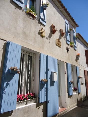 Типична провинциална къща в провинция Лангедок -Русиьон, Южна Франция