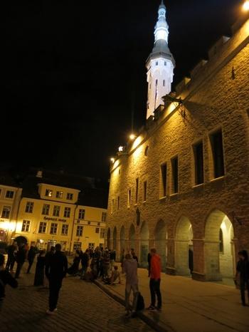 Талин, Общината и пазарният площад