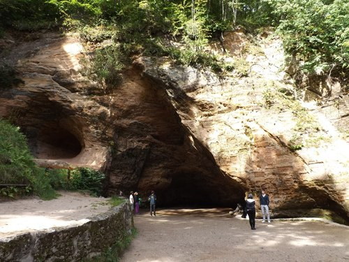 Пещерата Гутман