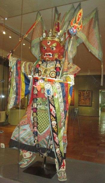 Шаман – експонат в Музея на изобразителното изкуство в Улан Батор