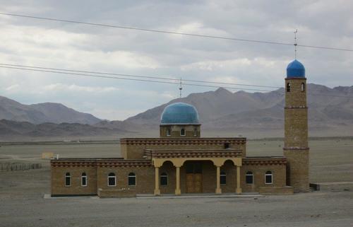 Новопостроена джамия в западна Монголия