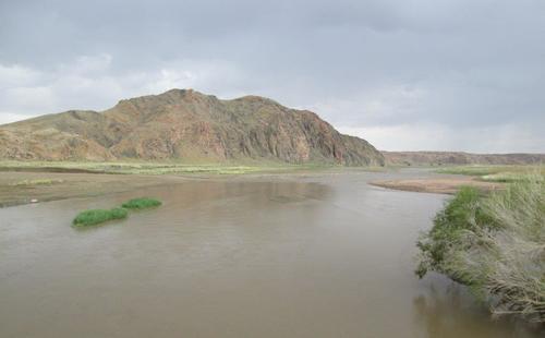 Река Байдраг, снимана от моста над нея