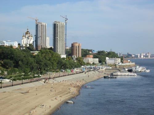 Плажът на река Амур в Хабаровск