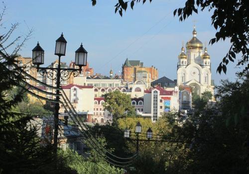 Панорамен поглед към част от града