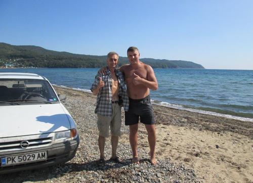 С моя Опел и с руснака, с който се запознахме, на брега на Японско море