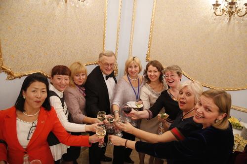 в Москва, на коктейл