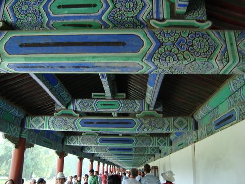 навес с колонада в комплекса Небесен храм