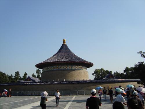 Императорският Небесен свод, ограден с ехо стена