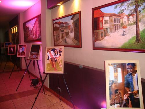 пред ресторанта – снимки на годениците