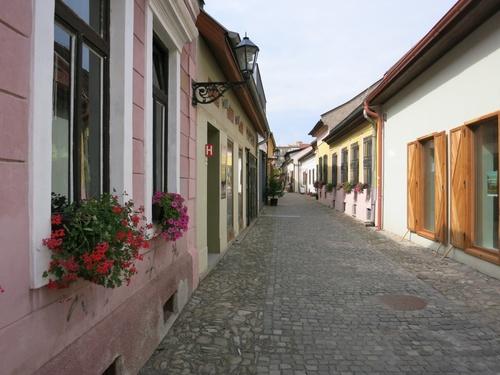 Кошице, снимка от една много уютна и красива занаятчийска улица