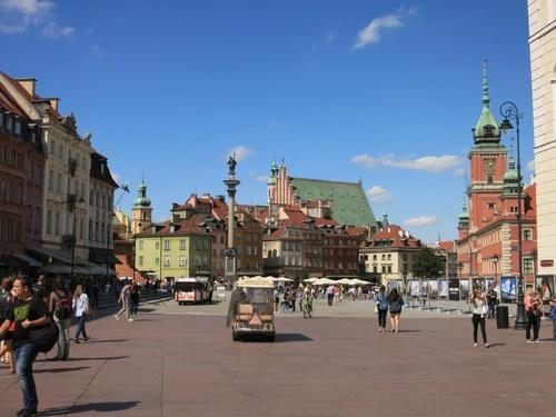 Площадът пред кралския дворец с колоната на Сигизмунд