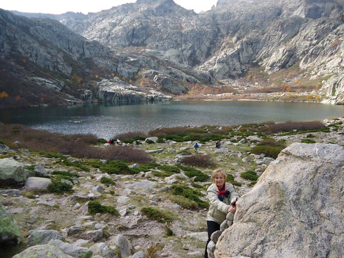 Пред езерото Мело -1711м надморска височина непосредствено под самия връх Монте Ротондо