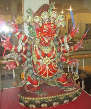 Дамдин - един от грозните защитници на учението на Буда