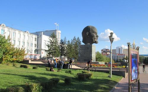 Огромната глава на Ленин в Улан Уде