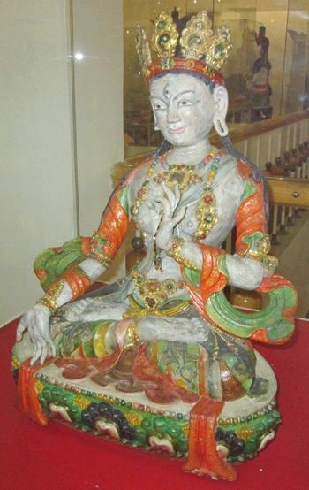 Изображения на Бялата Тара – символ на духовна чистота и мъдрост. Музея в Улан Уде.