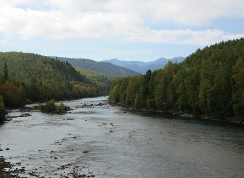Река Мурино, която тече към езерото Байкал