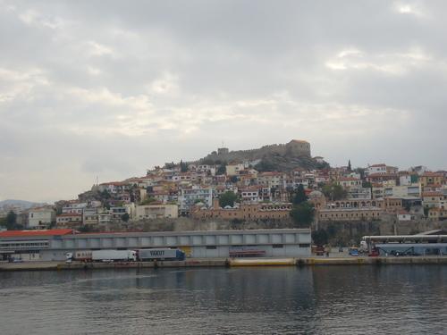 Последен поглед към крепостта и стария град Кавала