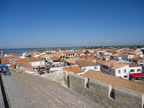 Панорамна снимка на Сент Мари от терасата на църквата