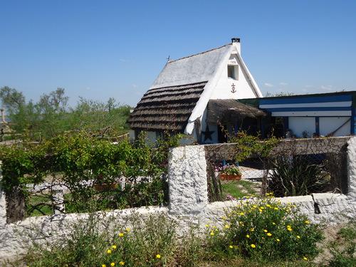 Ваканционна къщичка,досущ като някогашните пастирски колиби