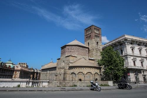 Генуа, Базиликата Santo Stefano