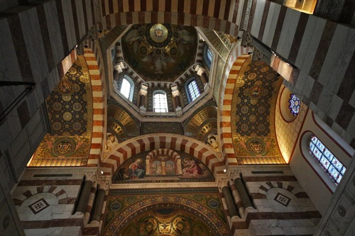 Марсилия, Базиликата Нотр Дам де ла Гард