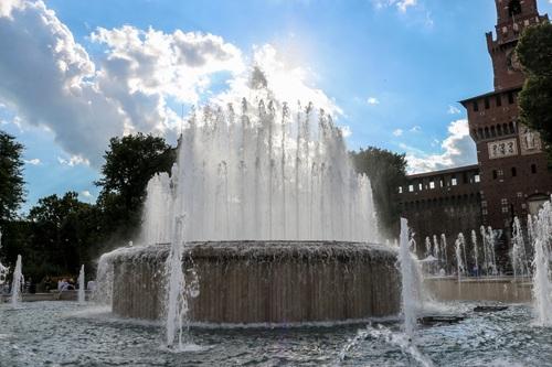 Милано, фонтанът на Кастело Сфорцеско