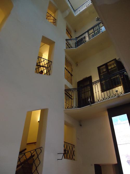 Вътрешно стълбище води до жилището на Моцарт