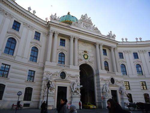Парадният вход на Хофбург - градската императорска резиденция