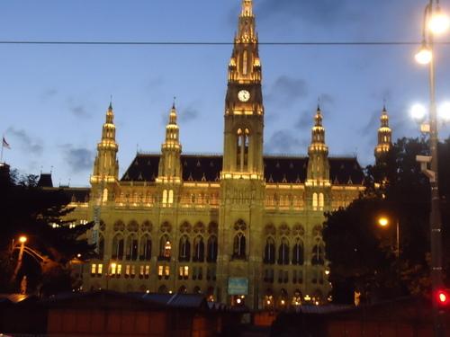 Ратхаус - кметството на Виена