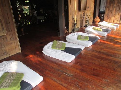 Зона за тайландски масаж