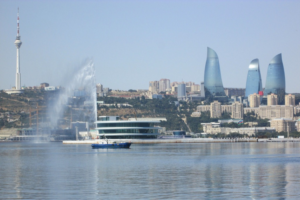 Панорамен поглед към Баку