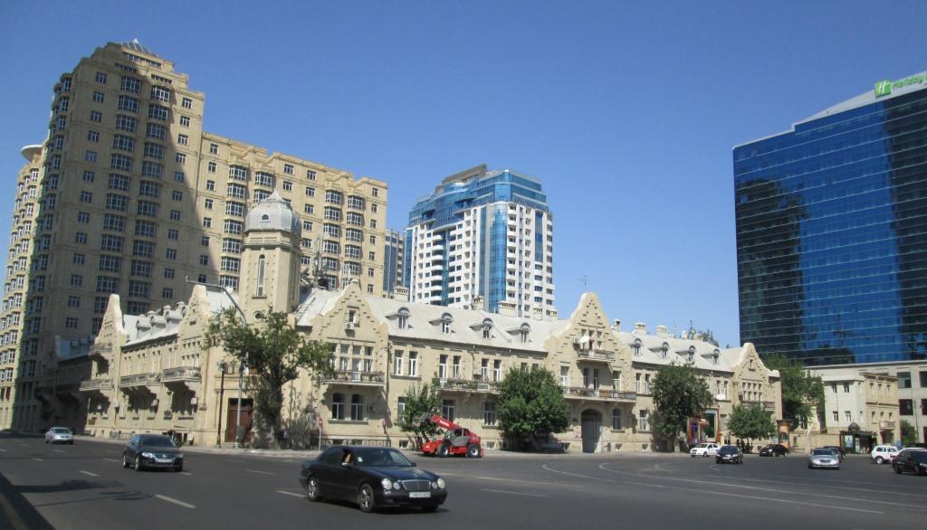 Съчетание на архитектурни стилове от 19-ти до 21-ви век