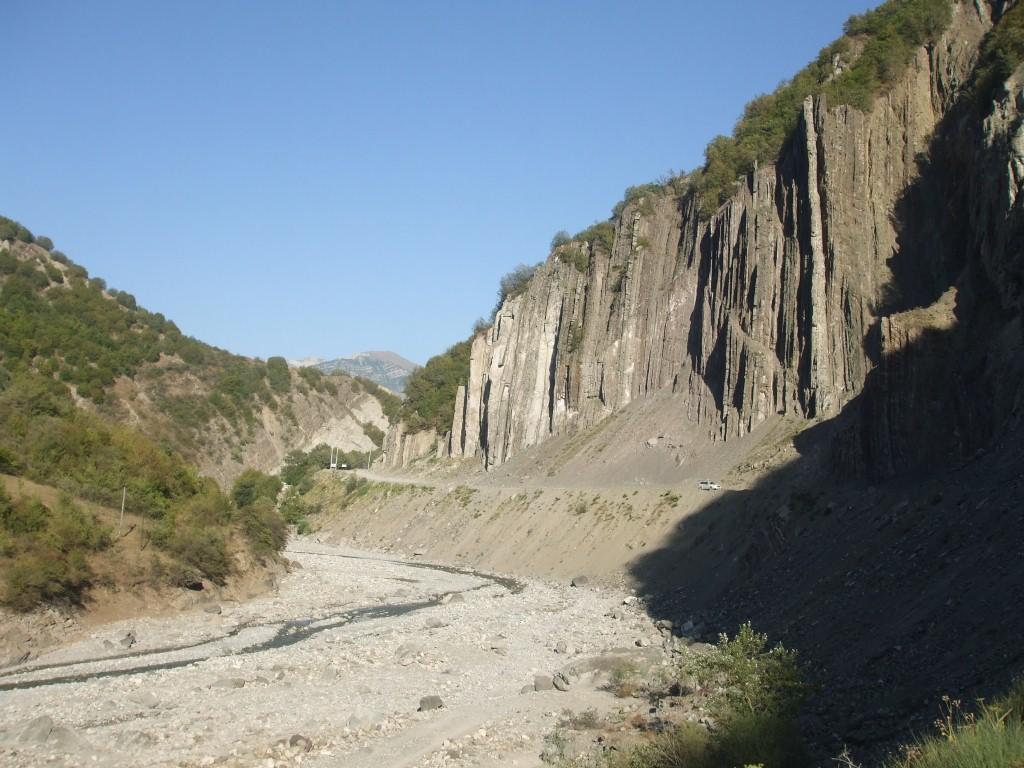 Долина в източната част на Кавказката планинска верига