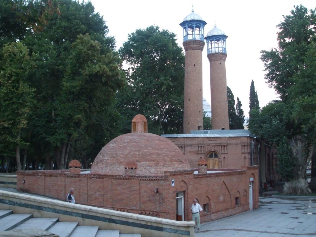 Джамията Джума е от началото на 17-ти век